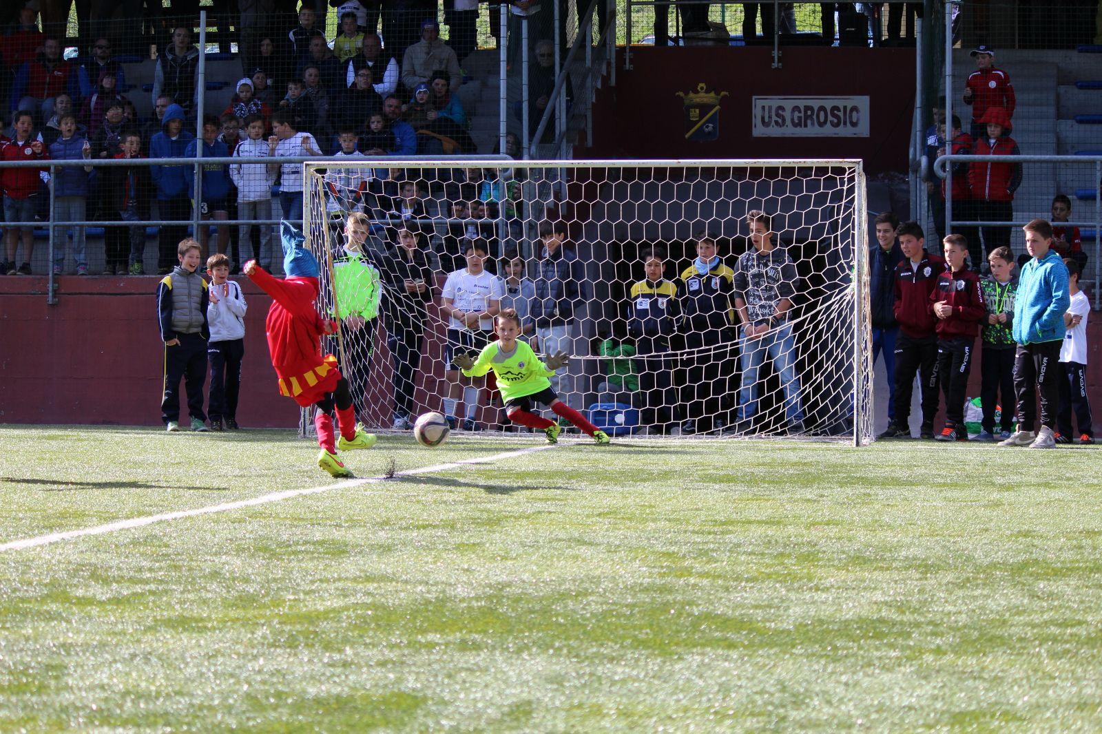 Vivai Di Calcio : Calcio ravenna nel vivaio non sono gradite pettinature strane